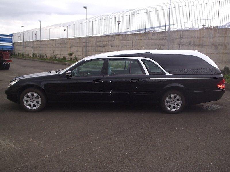 carro per trasporto salma nera