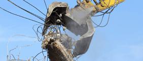 Demolizione di edifici in cemento