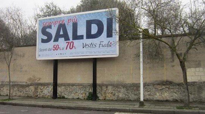 Cartellone pubblicitario Via Turati Sassari