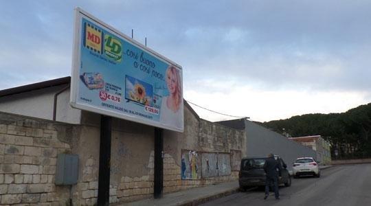 Cartellone pubblicità Via Montello Sassari