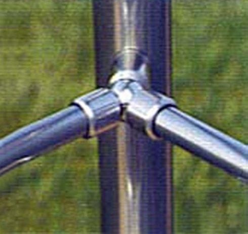 particolare parapetto tubi