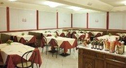 numerosi posti a sedere, pizza per celiaci, gusto e tradizione italiana