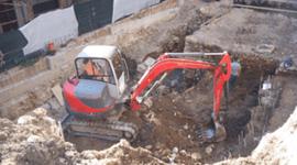 pavimentazioni civili da esterni con materiali antisdrucciolevoli, raccolta e smaltimento rifiuti, scavi per posa di condutture