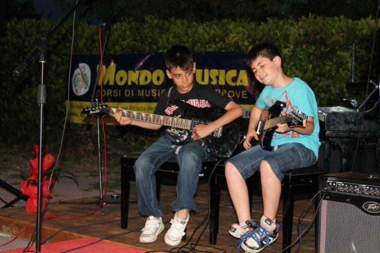 MONDO MUSICA