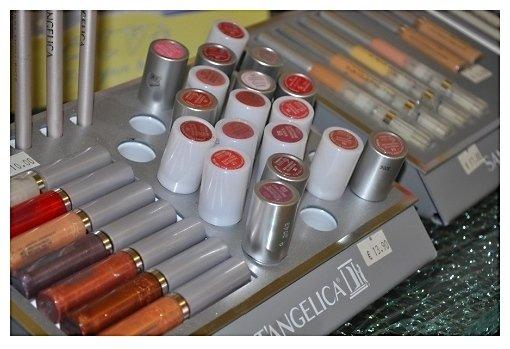 esposizione prodotti di cosmetica