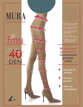 Due gambe di una donna con dei collant rilassante natural
