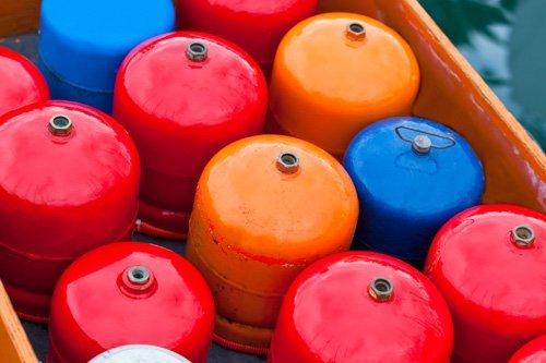 Gas cylinder for refilling