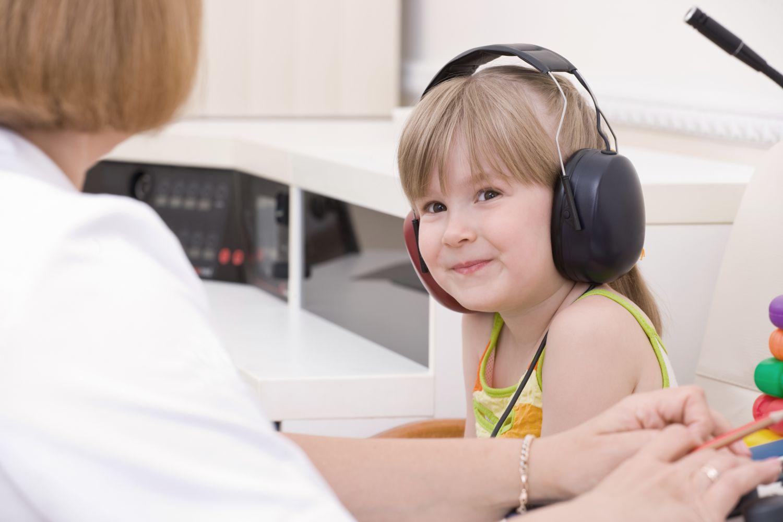 girl getting a hearing test in Cincinnati, OH