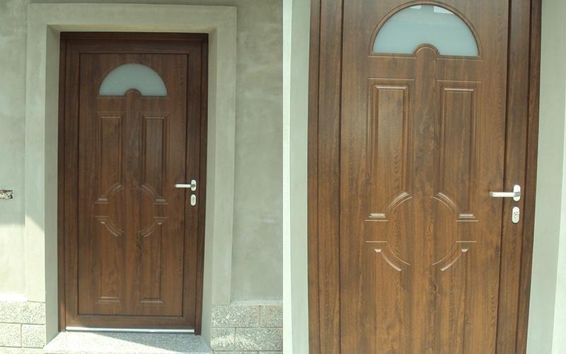 porta in legno decorato