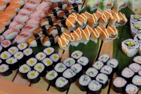 piatti giapponesi di sushi a rovigo