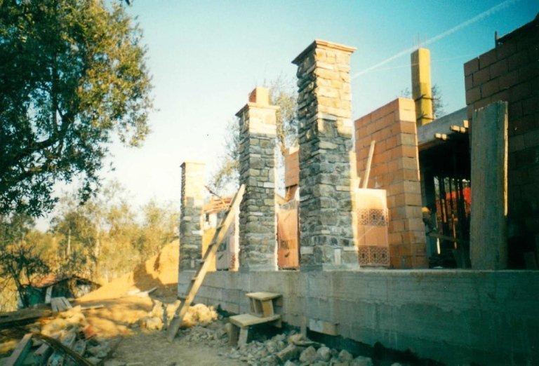costruzione pilastri in pietra