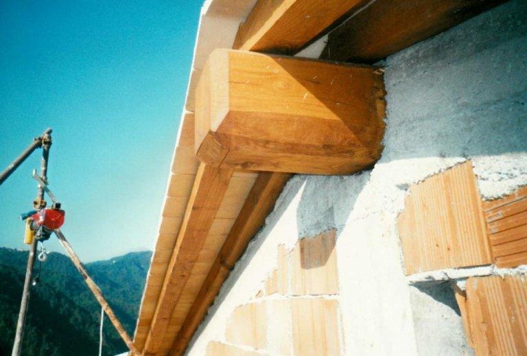 tetto con travi in legno