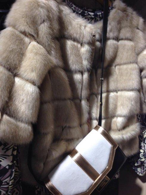 pelliccia chiara, borsa da donna