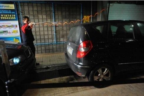 Lavaggio auto feriali e festivi