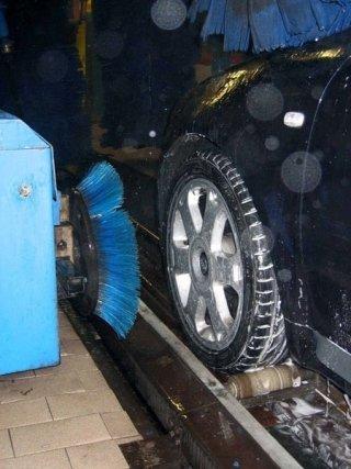 Lavaggio cerchioni ad alta pressione