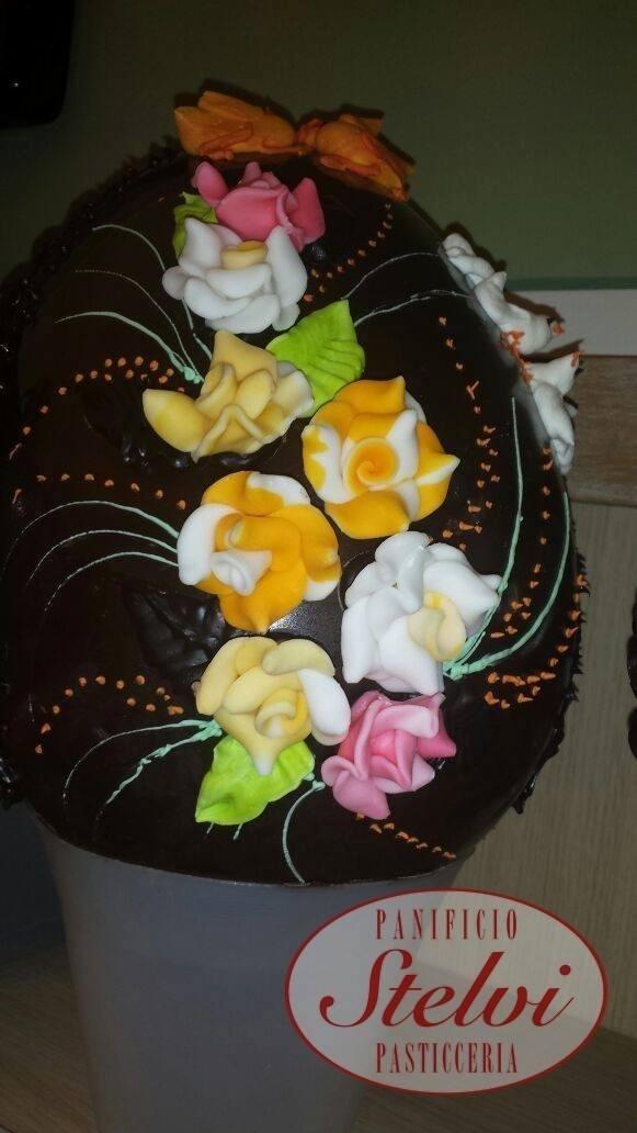 uova di pasqua di pasticceria