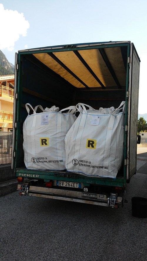 Microraccolta rifiuti ritiro materiali a Moena