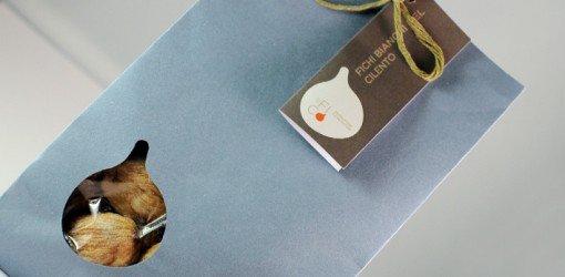 confezione di fichi secchi con etichetta FICHI BIANCHI DEL CILENTO