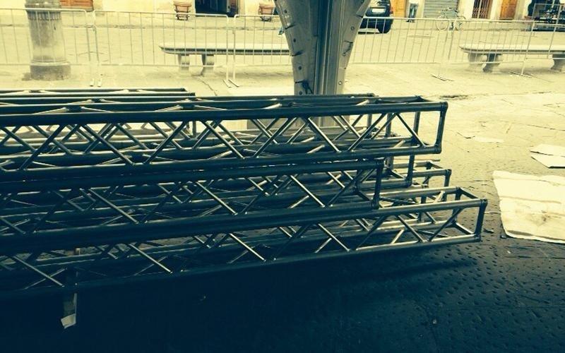 Struttura in tralicci di alluminio per evento audio