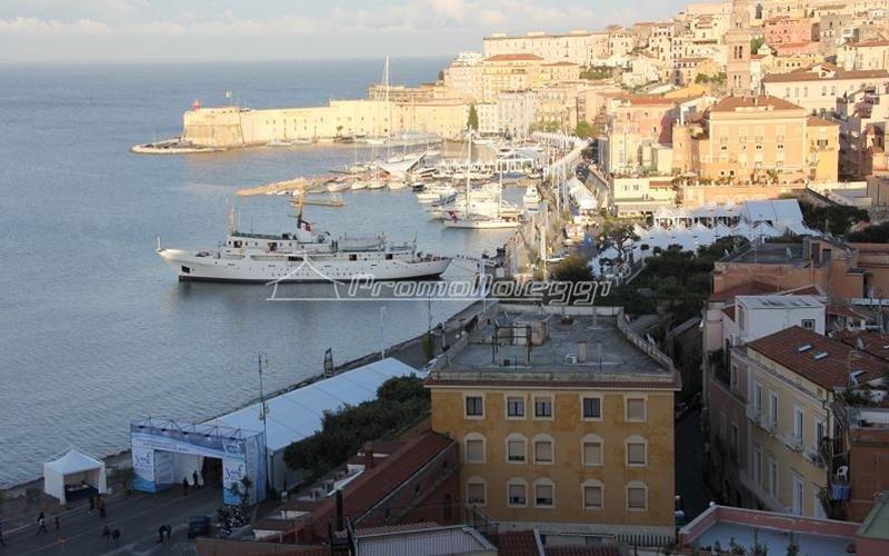 Tensostruttura Fiera Yacht Med festival 2015