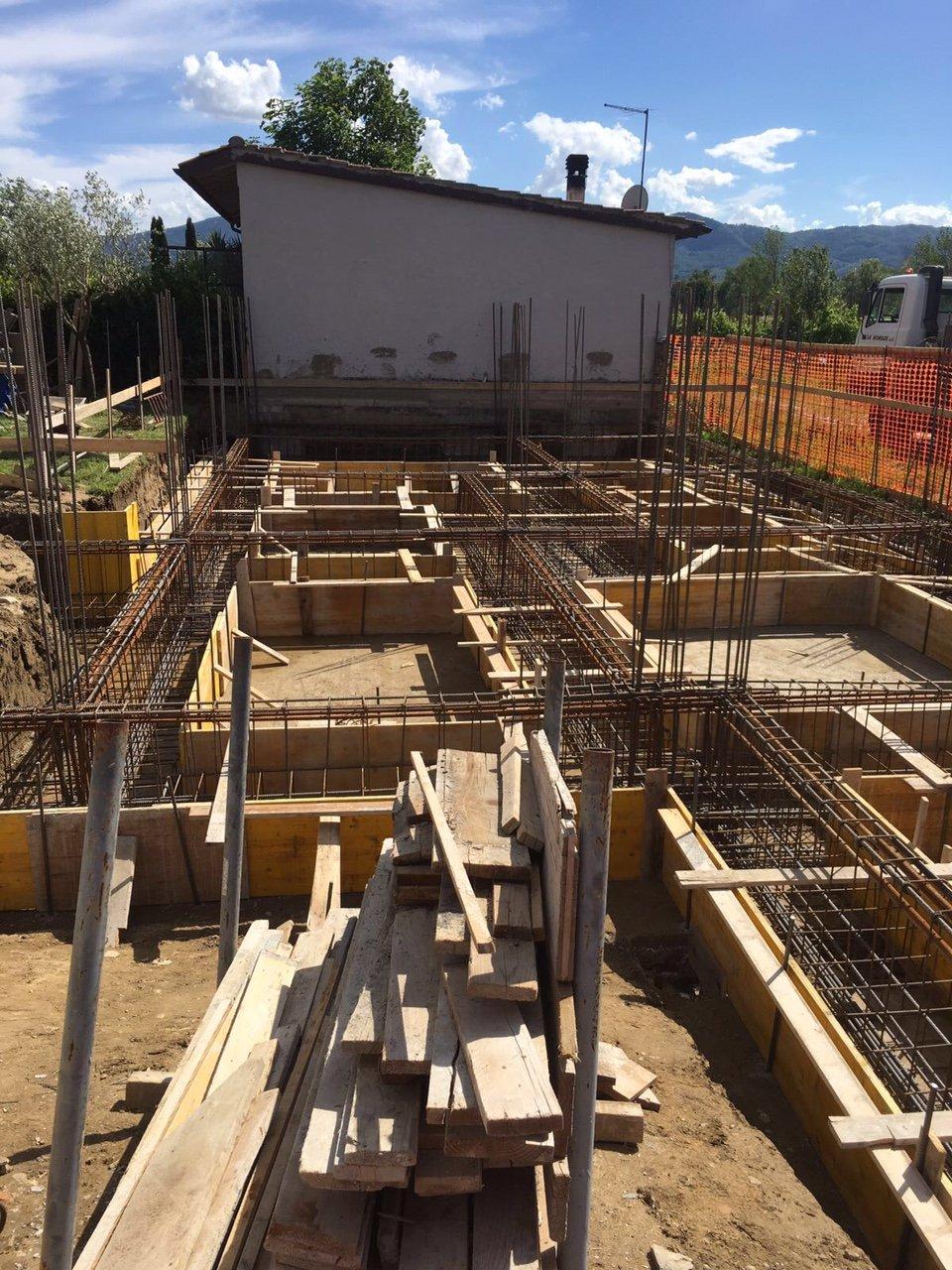 le fondamenta di un edificio in costruzione