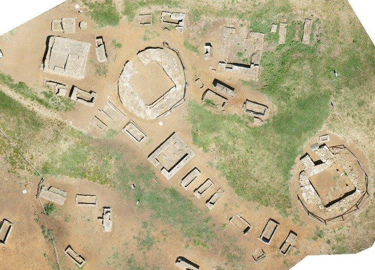 Foto aerea di un sito archeologico