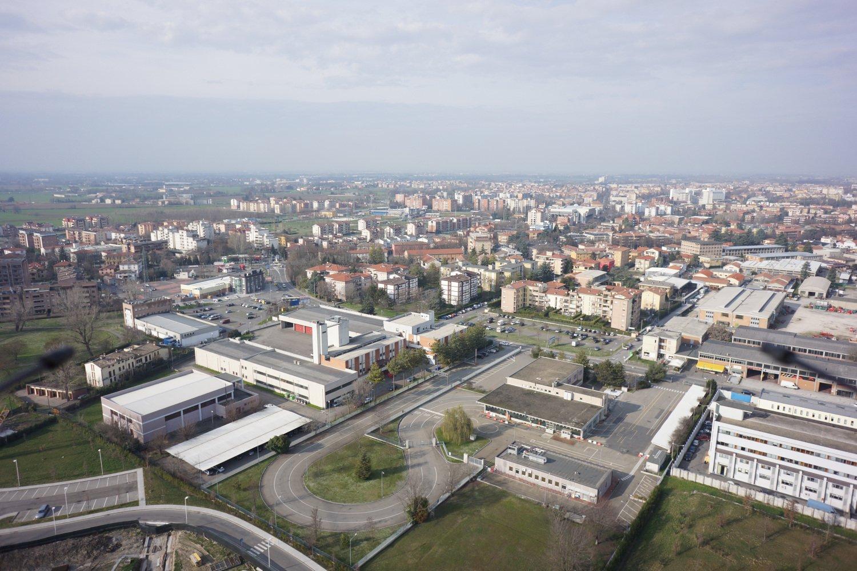 Foto aerea di una città vista lateralmente