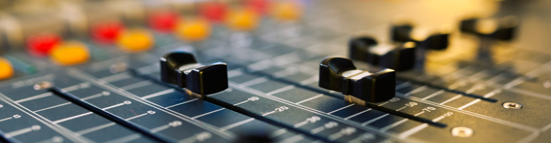 douglas communications systems mixing console