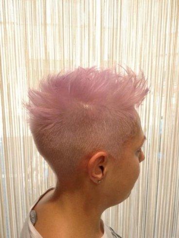 platino con cresta rosa