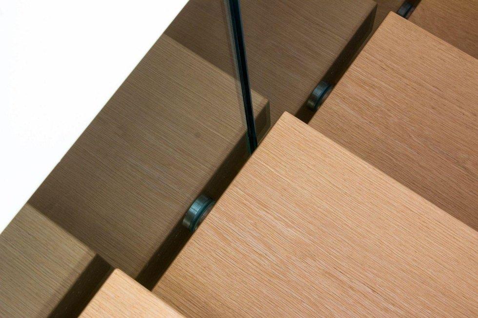 vista dall`alto rampe di scale in legno