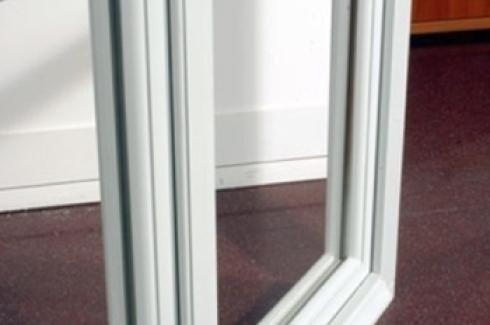 Distribuzione serramenti legno porte blindate infissi