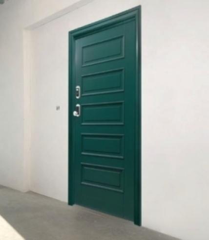 Porte in legno colorate