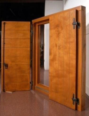 Produzione serramenti legno porte blindate