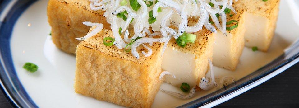 Piatto a base di tofu