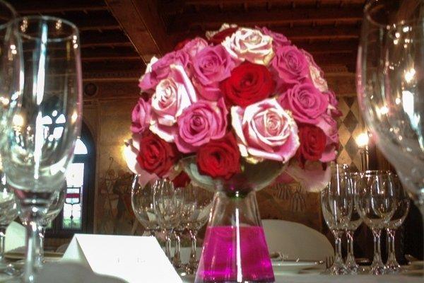 raffinato centrotavola con rose