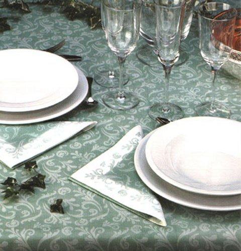 un tavolo apparecchiato con tovaglie e tovaglioli di carta di color verde