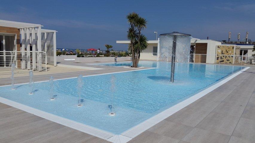 Fontane d'acqua italiana piscine