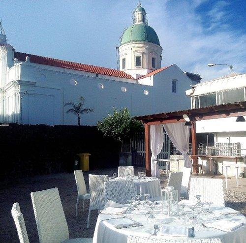 Tavoli alla pizzeria San Michele Food E Drink a Ottaviano (NA)