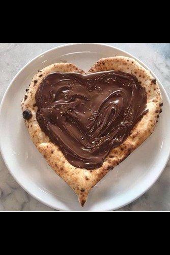 Pizza al cioccolato a forma di cuore  presso San Michele Food E Drink a Ottaviano (NA)