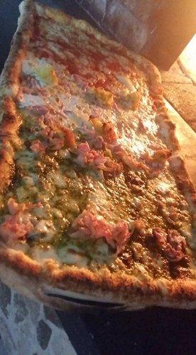Pizza  presso San Michele Food E Drink a Ottaviano (NA)