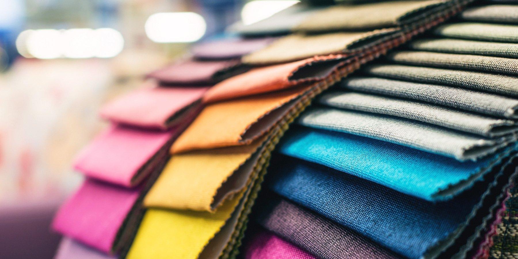 Tessuti di vario genere e colore Chiavenna