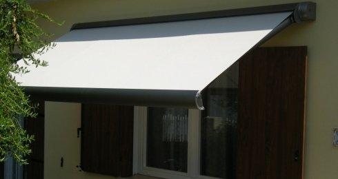 Tende da esterno realizzate da Gatti tende Como