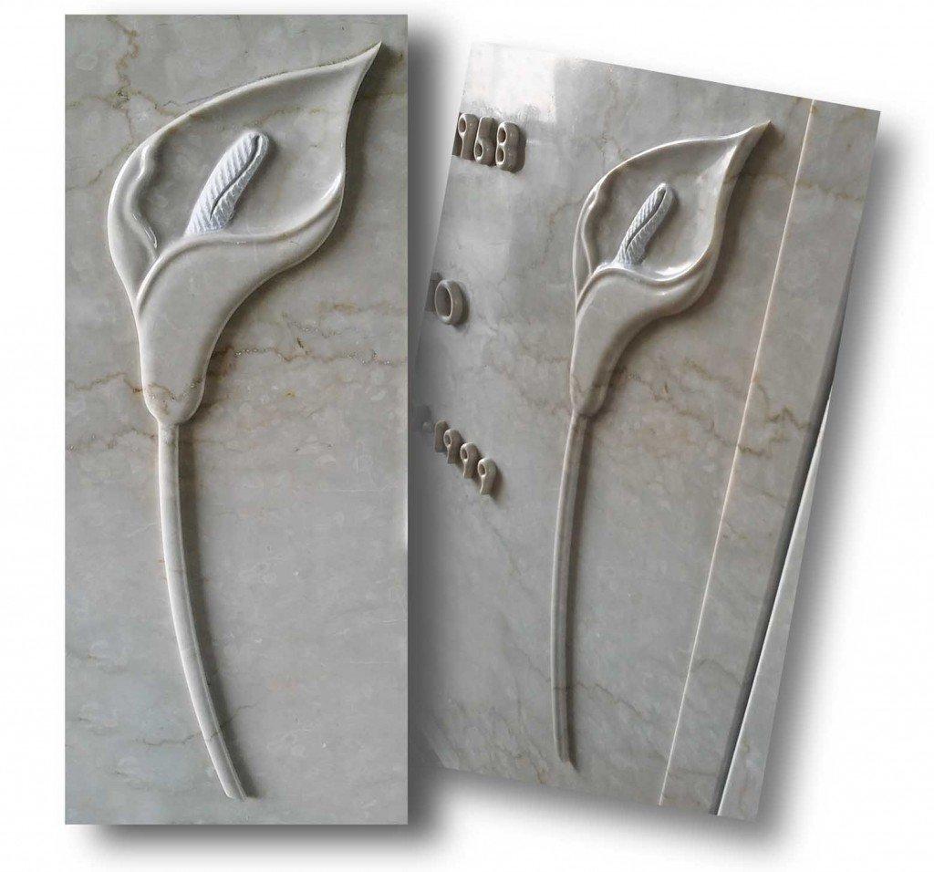 due sculture su marmo di due tulipani