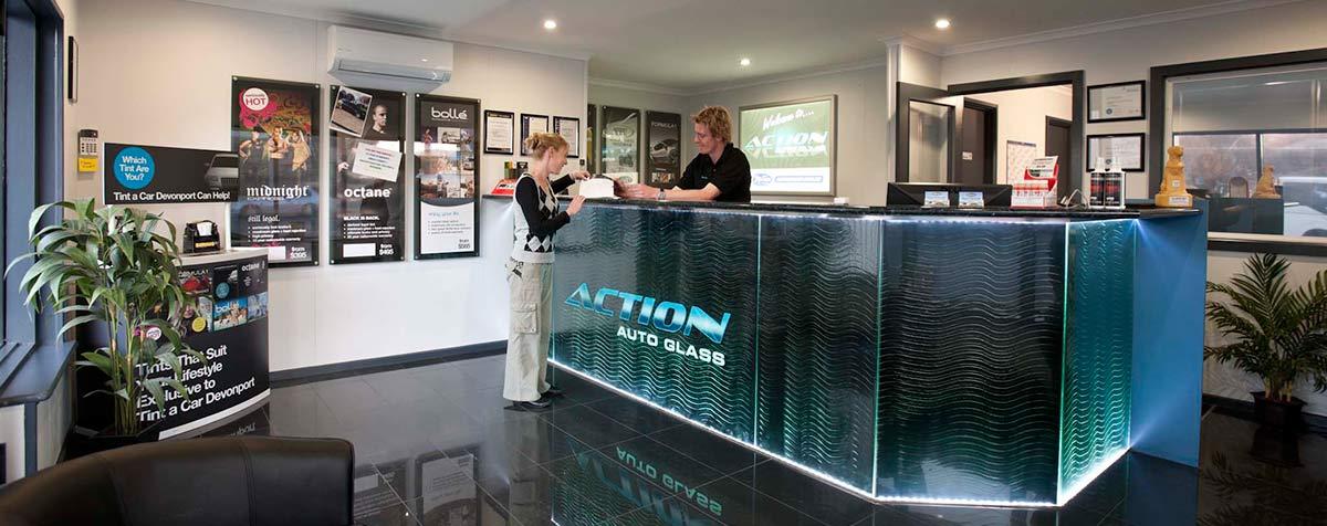 Action_Auto_Glass-customer-service