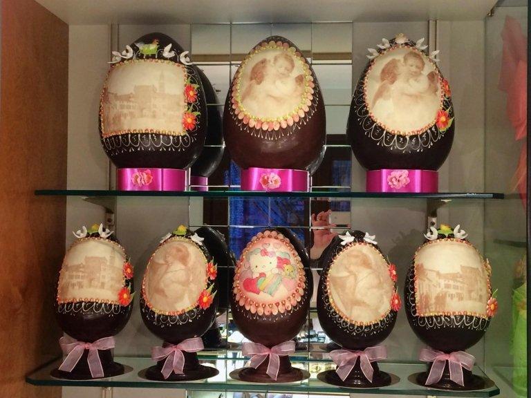 uova con disegno