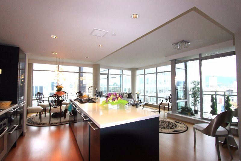 Punch Properties - L'hermitage 2 bedroom and den condo rental in Vancouver, Canada presented by Rebecca Punch.