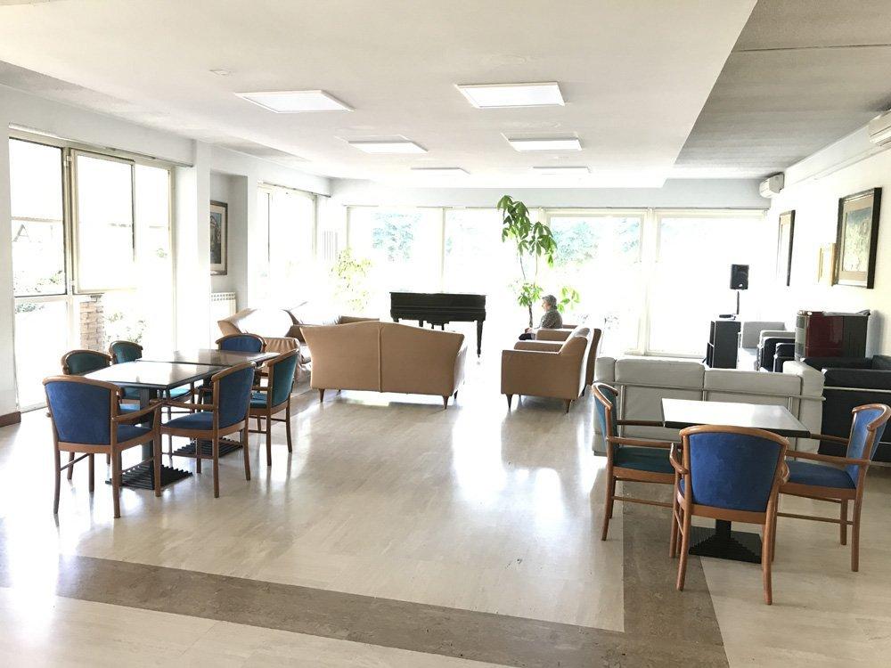 sala lettura della casa di riposo