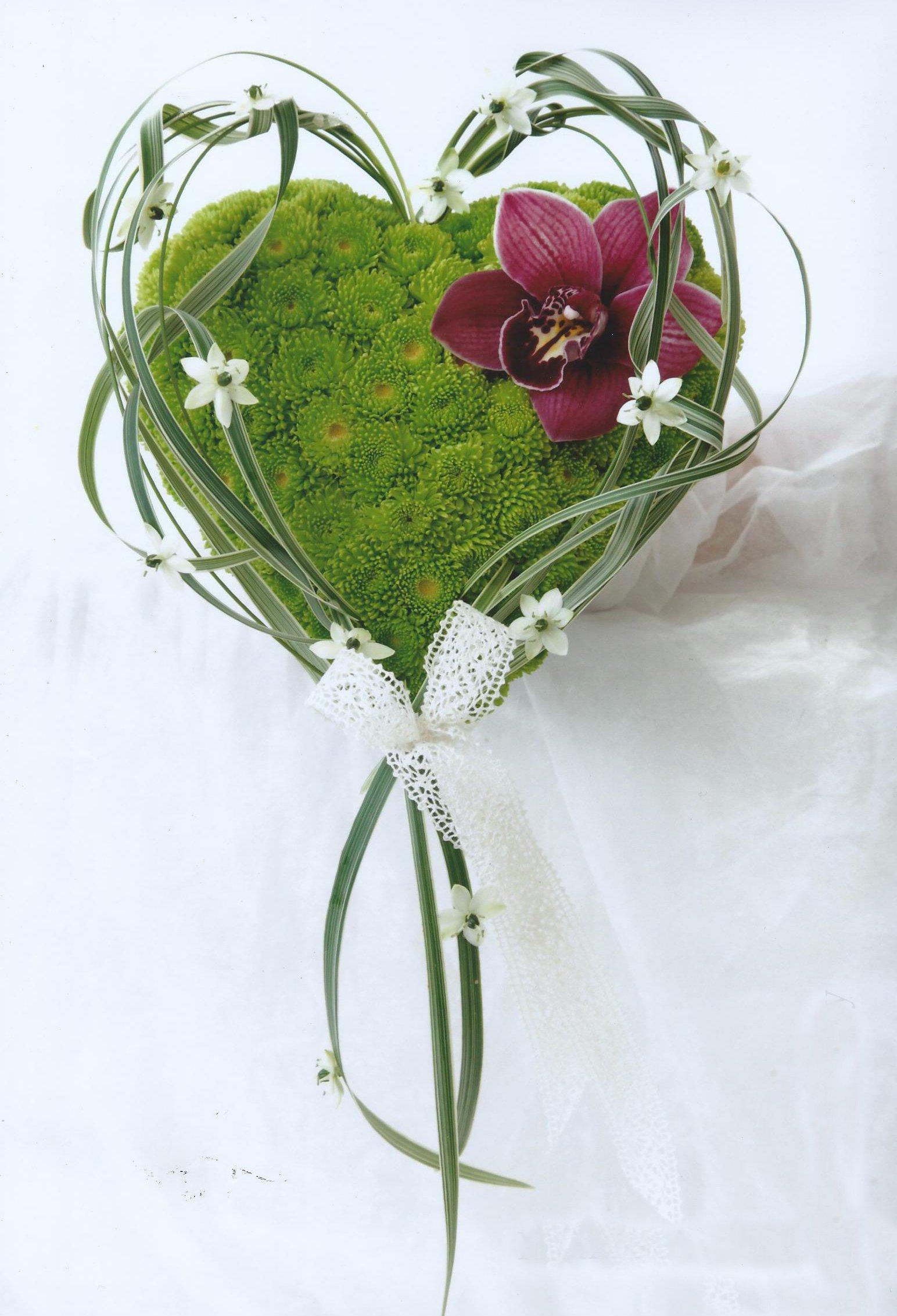 stunning flower arrangements