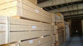 legno chiaro, carico e scarico, legname