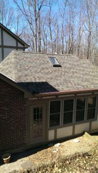 Roofing installing by commercial roofing specialists in Cincinnati, OH